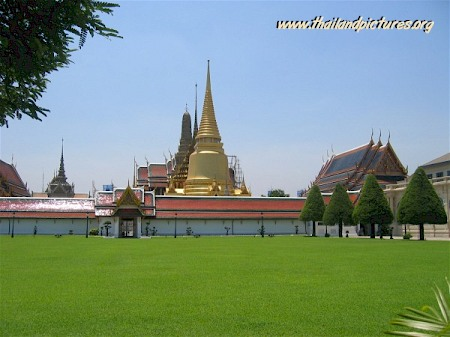 A picture from the Royal Grand Palace