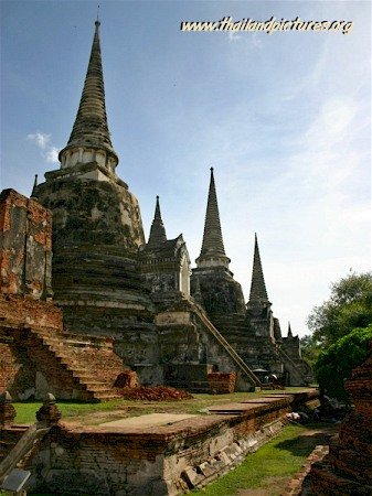 Temple ruin in Thailand with 3 towers.